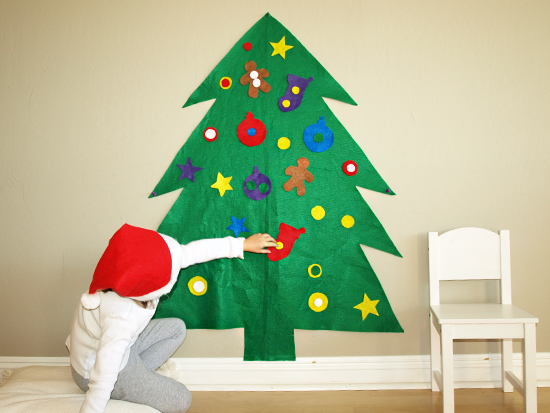 Last-Minute Holiday Decorations: Felt Christmas Tree