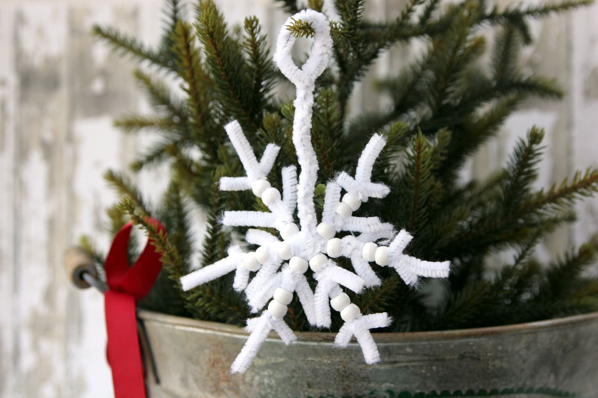 Pipe Cleaner Snowflake DIY Ornament project