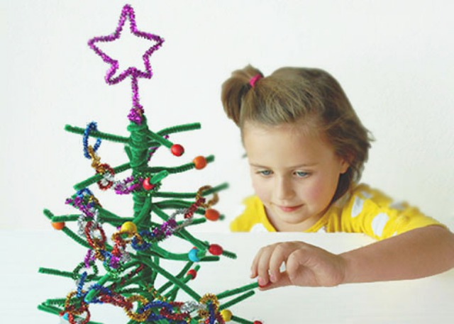 Pipe Cleaner Christmas Trees.Pipe Cleaner Christmas Tree