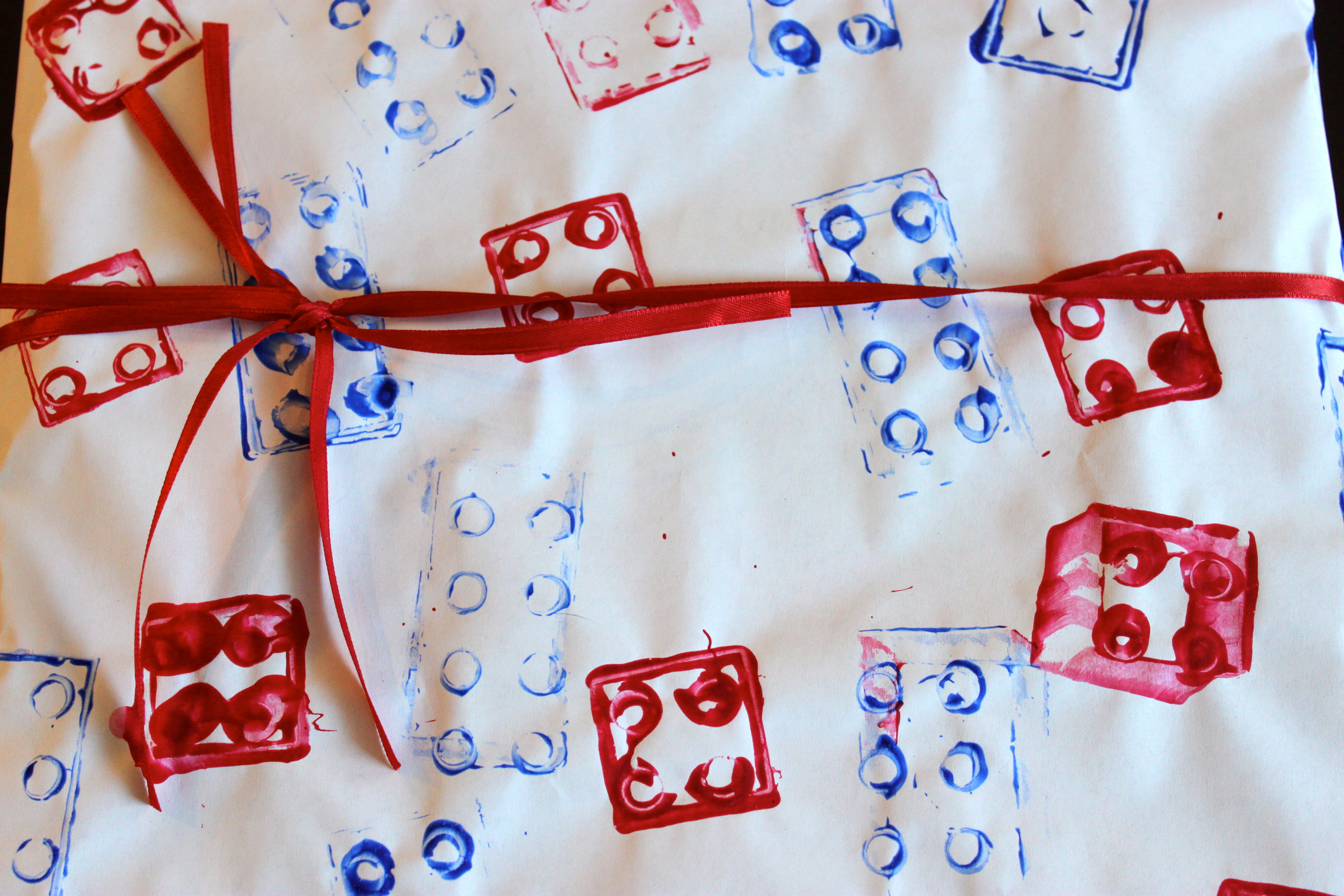 Lego Wrapping Paper DIY - Header